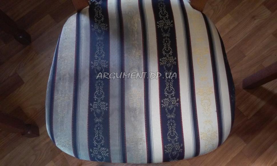 Чистка стула: сложная ткань