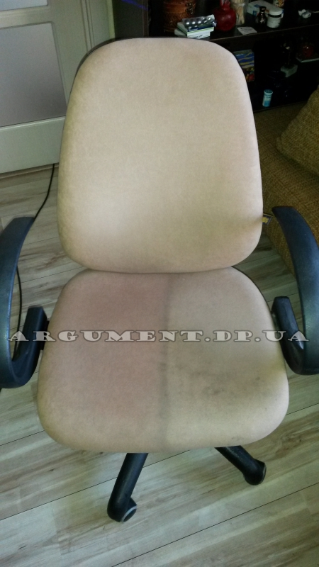 Чистка стула: в процессе